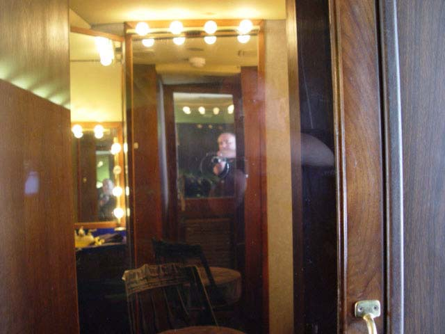 Elvis Death Photo Bathroom for Pinterest. Similiar Elvis Bath Keywords